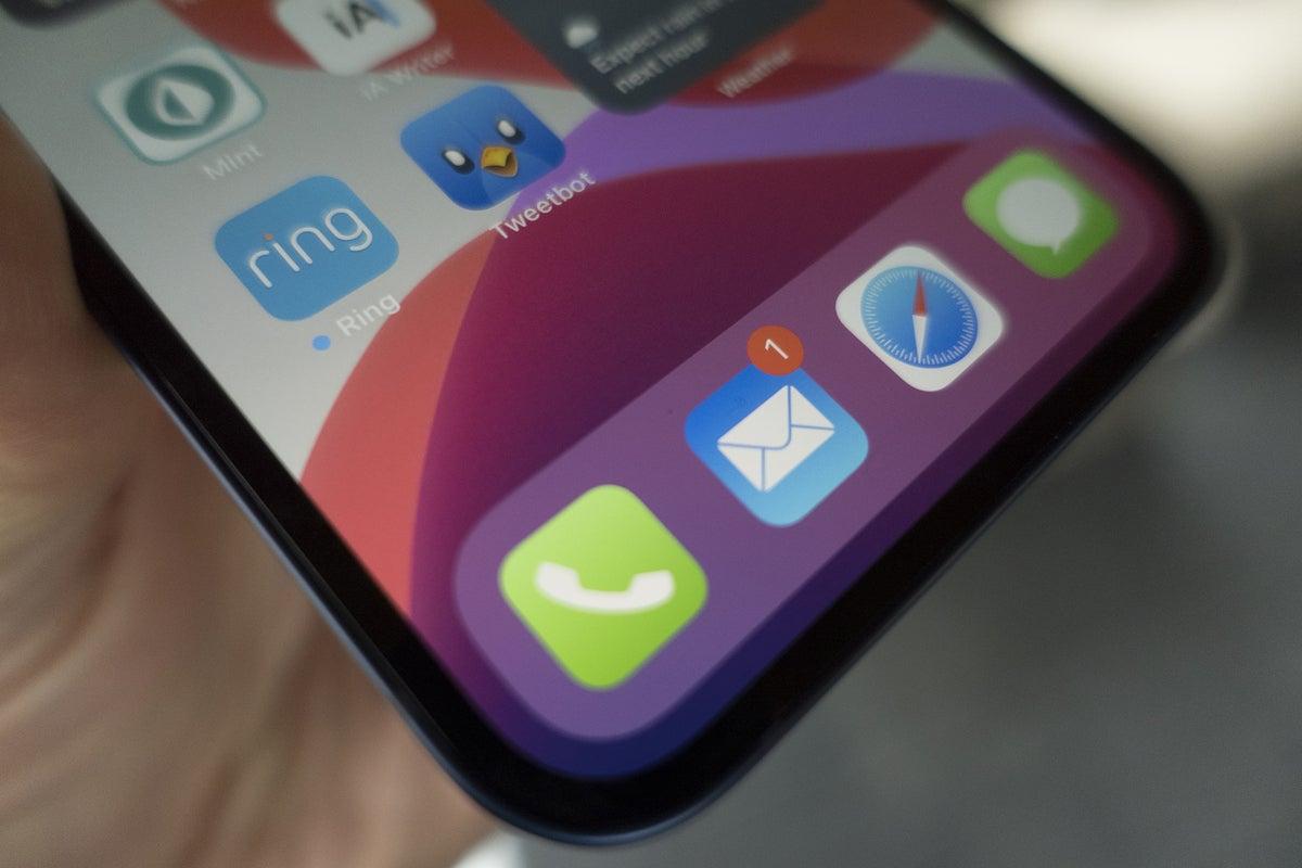 iphone 12 bezels