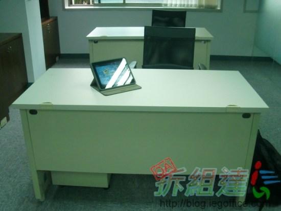 辦公家具-OA辦公桌