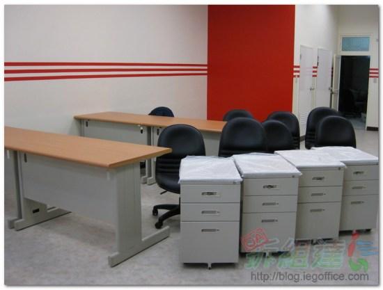 辦公家具-辦公桌、辦公椅、袖箱