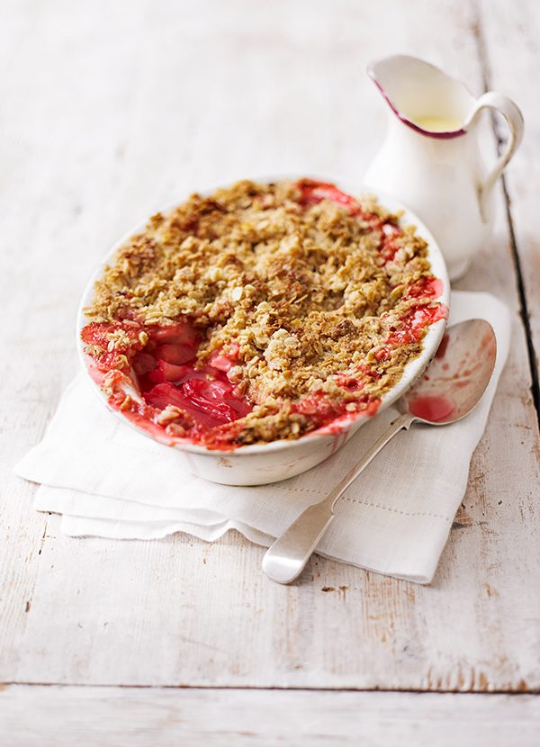 Spiced Rhubarb Crumble recipe - olivemagazine