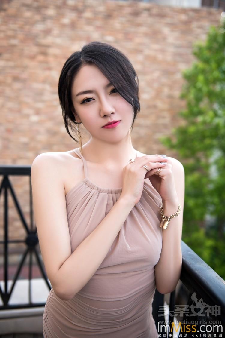[TouTiao头条女神] 2017.07.03 爱在深秋 丹丹 VIP专辑 [26+1P]