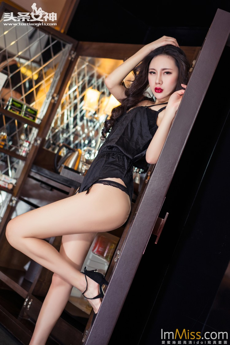 [TouTiao头条女神] 2016.05.12 妖冶美艳OL 米娅 [20+24+43P]