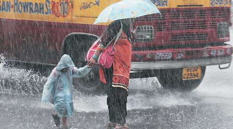 Heavy downpour cripples life in Kolkata, state toll up to 85