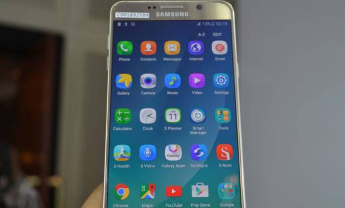 Galaxy Note 5 comes with wireless charging, although the wireless charger is not included with the Note 5.