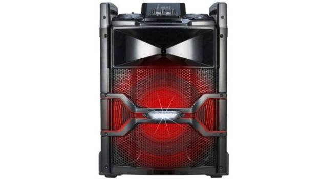 LG portable X Boom Cube OM4560 speaker comes with unique features like Auto DJ and multi-colour lights (Source: LG)