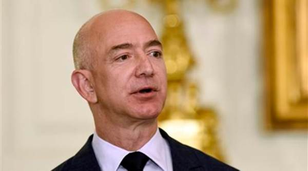 Amazon chief Jeff Bezos to face protests from traders during India trip