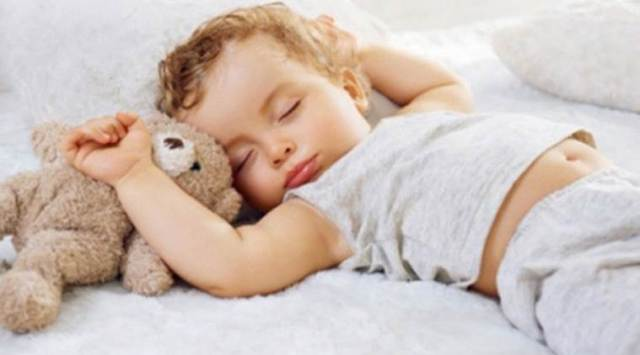 Mobile videos, stick to infants sleep, videos help parents, Lifestyle news, Indian express news