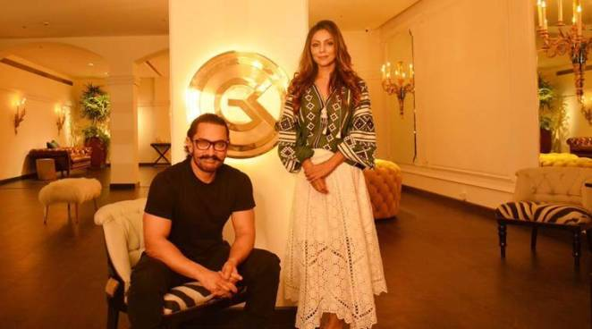 Aamir Khan, Gauri Khan, Gauri Khan store, Gauri Khan designs guests, Secret Superstar, Gauri Khan Aamir Khan, Gauri Khan Aamir Khan photos, Gauri Khan Aamir Khan video