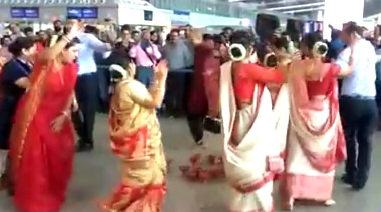 VIDEO: A Durga Puja flashmob took flyers by surprise at Kolkata airport