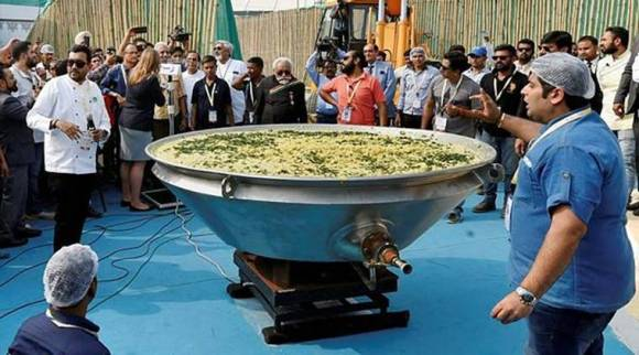 India sets Guinness world record by cooking 918 kg of khichdi