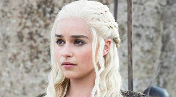 Game of Thrones cast hit with a strict social media ban: EmiliaClarke