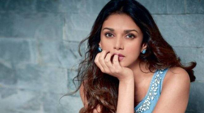 Need make-up lessons for a fun day out? Aditi Rao Hydari has youcovered