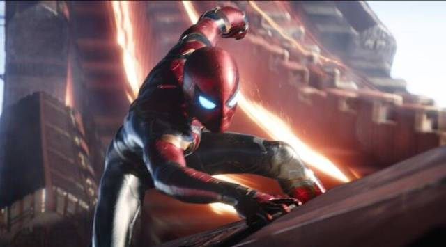 Avengers Infinity War: Tom Hollands Spider-man slings web in the newclip