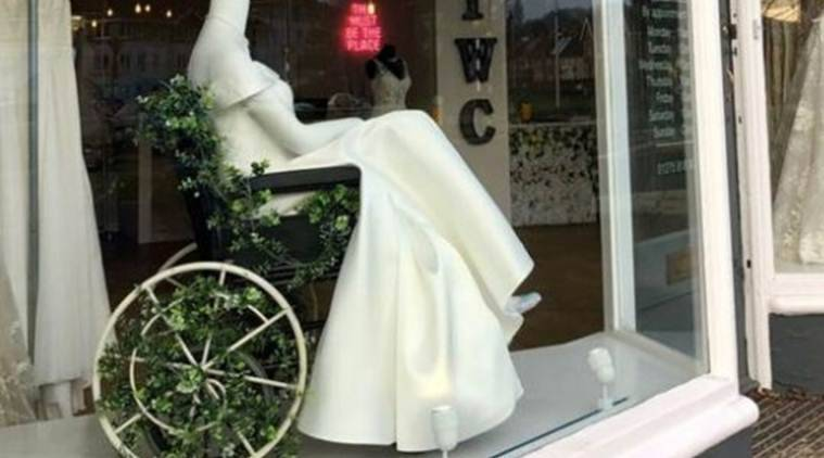 This Bridal Shop Is Getting Bouquets For Displaying A