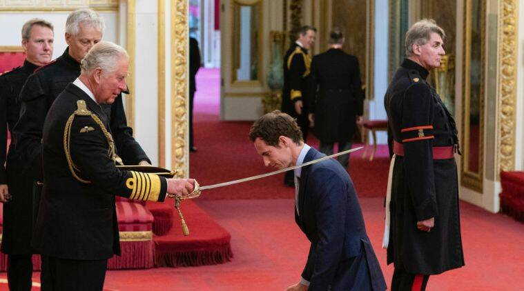 Andy Murray receives his knighthood from Prince Charles