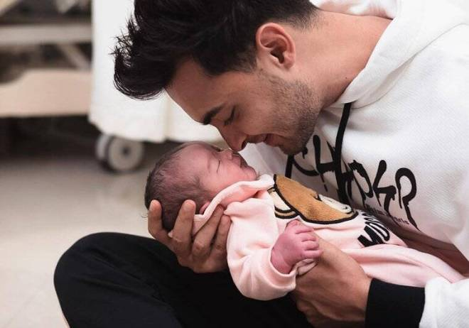 aayush sharma with ayat