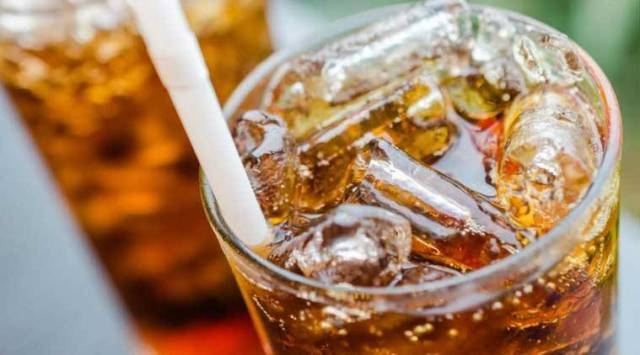 diet soda, diet soda and sugar intake, blood sugar, diabetes, stroke, alzheimer's, dementia, soft drinks, health, indianexpress.com, indianexpress, diet coke, diet pepsi, should you have diet soda, what is diet soda, diet soda alternatives, diet soda beverages,