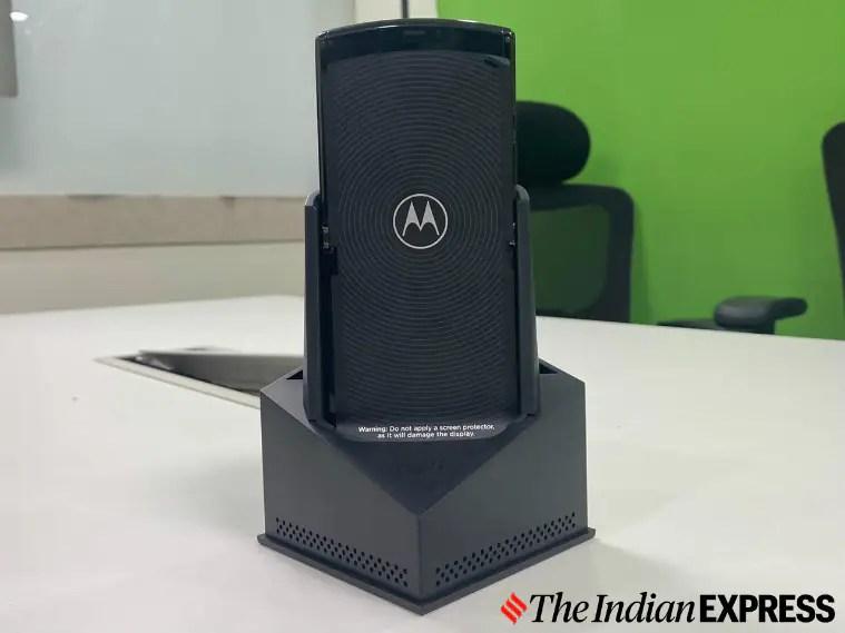 Motorola Razr, Moto Razr, Motorola Razr vs Samsung Galaxy Z Flip, Motorola Razr foldable phone, Razr, Moto Razr price in India
