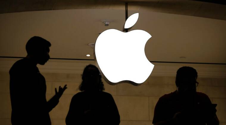 Apple, Apple AR headset, Apple AR/VR headset, Apple VR headset release date, HTC Vive, Apple ARKIT, augmented reality, virtual reality