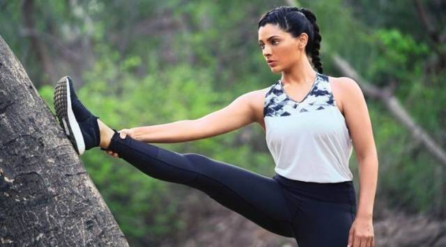Saiyami Kher workout, saiyami kher, compost pit, how to dig a compost pit, sustainable living, encironment friendly, sustainable living nature, compost pit, natural manure, compost manure, vegetable manure, vegetable peels, indianexpress.com, indianexpress, saiyami kher fitness, video,