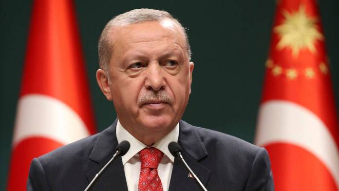 Turkey warns Greece not to test its patience over east Med