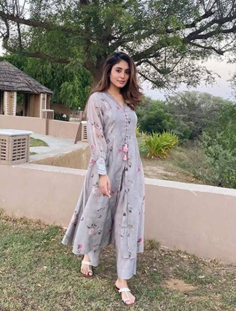 2 12 We need Kritika Kamra's latest outfit in our wardrobe for Navratri Day 1; check it out here
