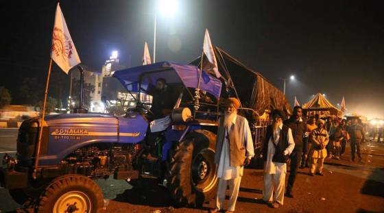 Farmers protest, more tractor cars from Punjab to delhi, singhu border protests, farmers protests latest news, farmers protests latest updates, indian express