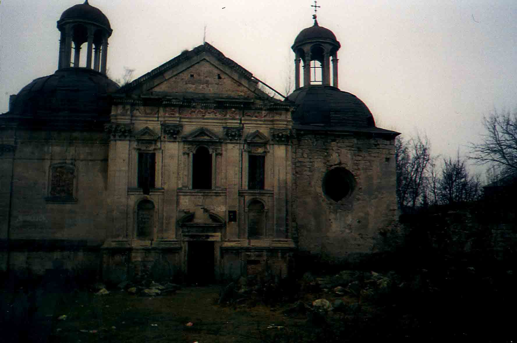 berezhany-zamok-cerkva1