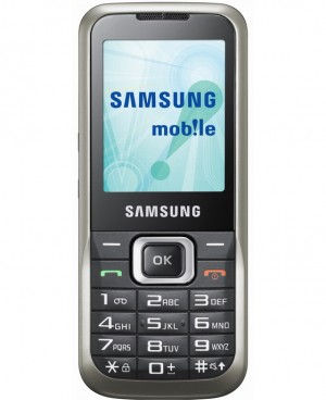 samsung c3060r 1 300x368 Samsungs Latest Phone Features SOS Button, Big Keys for the Elderly