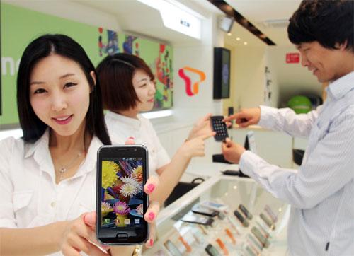 galaxy s korea Samsung moves 1 million Wave units globally; Galaxy  S sales hit 300,000 in South Korea