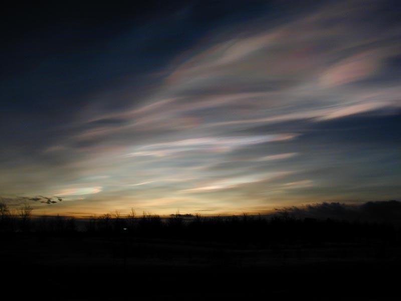 Nuages stratosphériques polaires en Suède (Nasa)