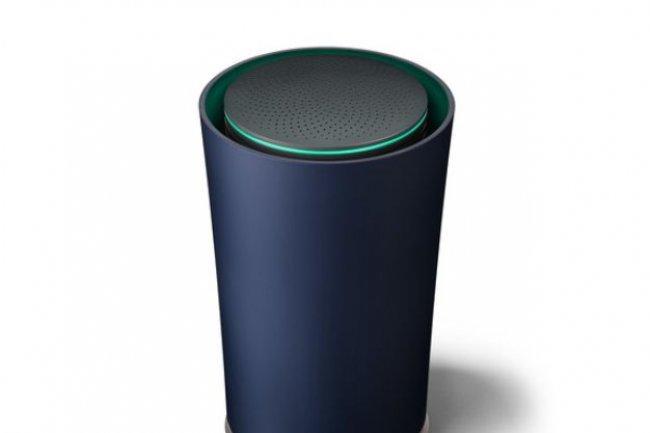 Disponible en bleu sombre ou en noir, le routeur Wi-Fi OnHub de Google veut coloniser nos salons.
