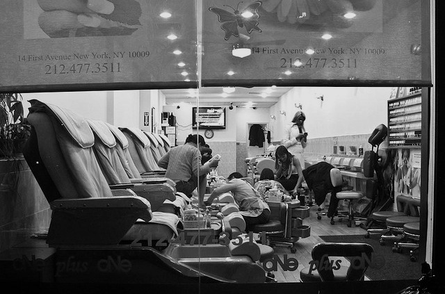 Closing Time At A New York City Nail Salon Elbrozzie Flickr