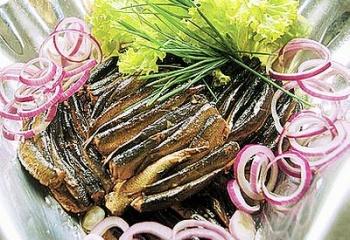 Вкусно и недорого: блюда из шпрот