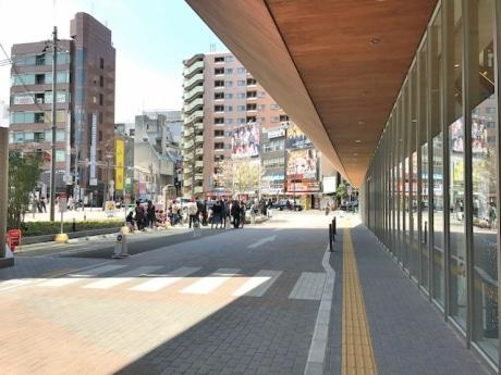 「DOTON PLAZA 大阪」の前にはバス発著場も - なんば経済新聞