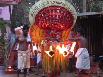 Puthiya Bhagavathi Theyyam