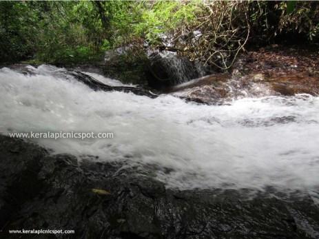 Kanayi Kanam main waterfall side view
