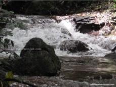 Kanayi Kanam-water flowing inbetween rocks