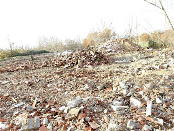 Ce sont 4378 tonnes de déchets qui ont été déversés par cinq sociétés et au moins un particulier