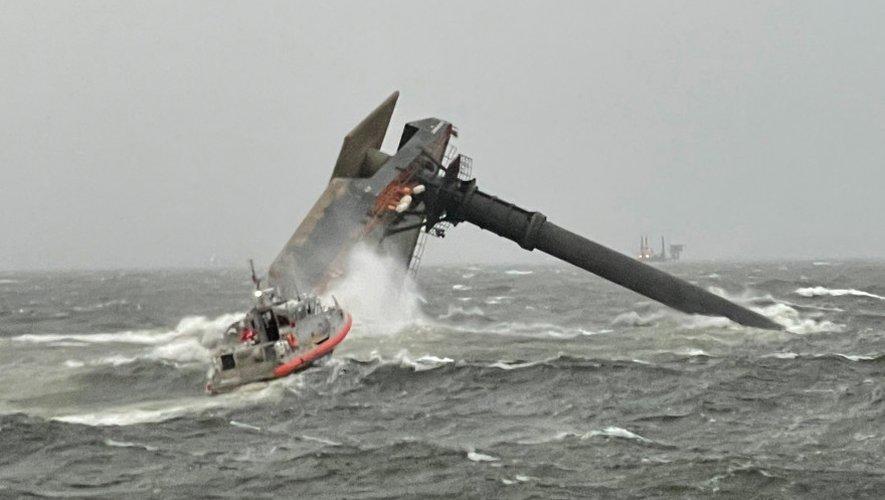 Aux États-Unis, un mort et douze disparus suite au naufrage d'un bateau au large de la Louisiane