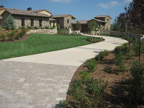Driveway longo, Betão Driveway Driveway Accent Paisagens Colorado Springs, CO