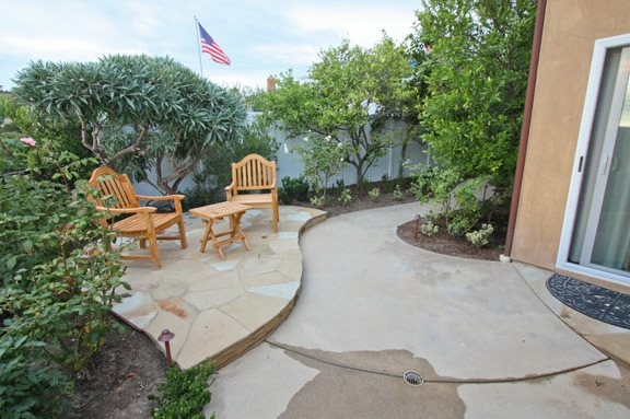 designing a small patio landscaping