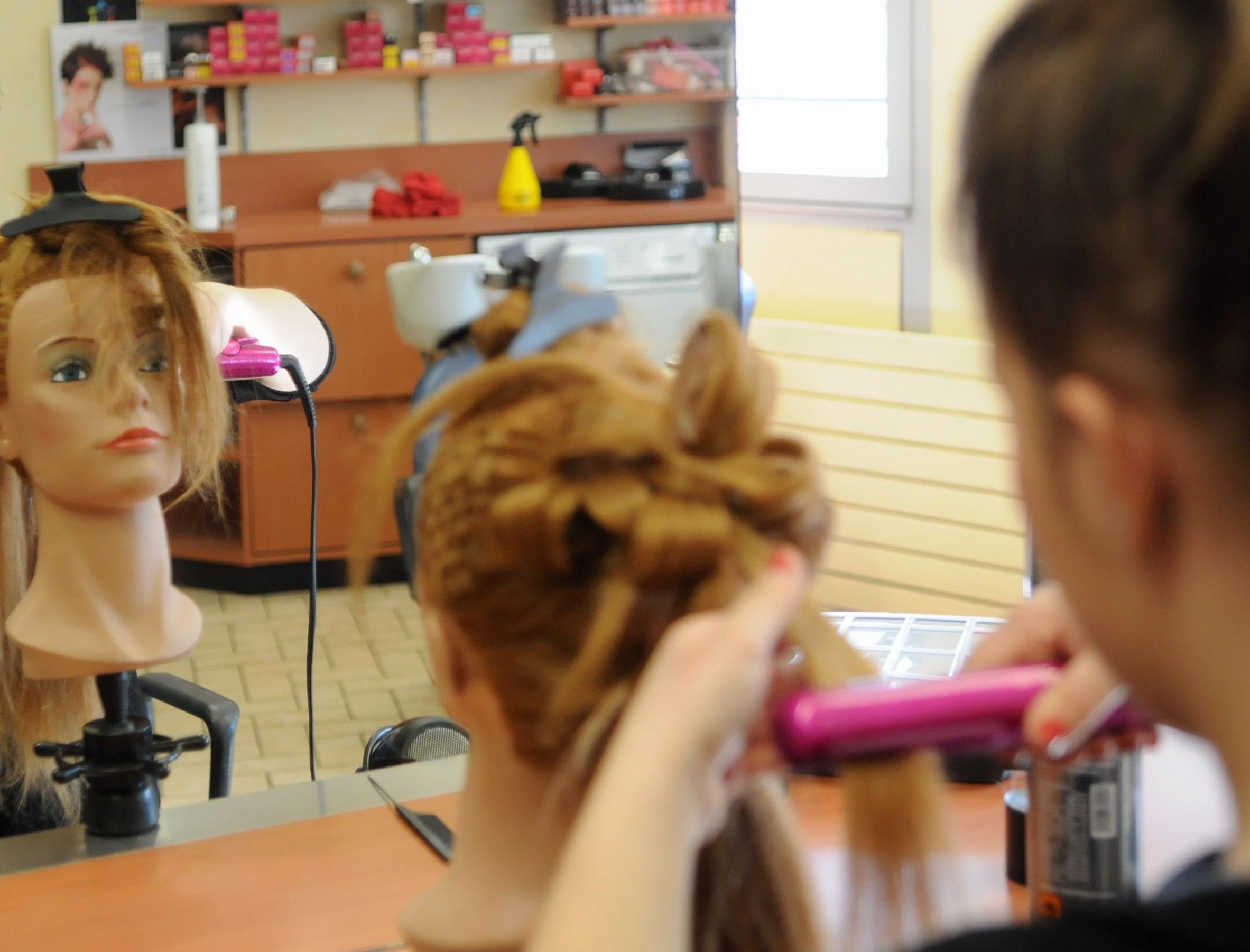 coiffeur pourquoi madame paie plus
