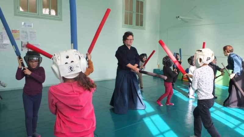 Démonstration d'aïkido et de kendo avec le club SA Souché Niort et Marais.