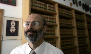 Judge Frank Roesch, Alameda County Superior Court...Photo by Jason Doiy.3-23-06.040-2006