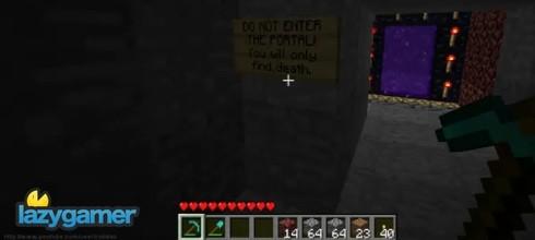 Hey! You got Half-Life 2 in my Minecraft 2