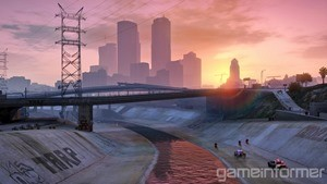 The wanted system has changed slightly in GTA V. You can still outrun the copys by staying out of their line of sight, but you can also find good hiding spots to wait them out