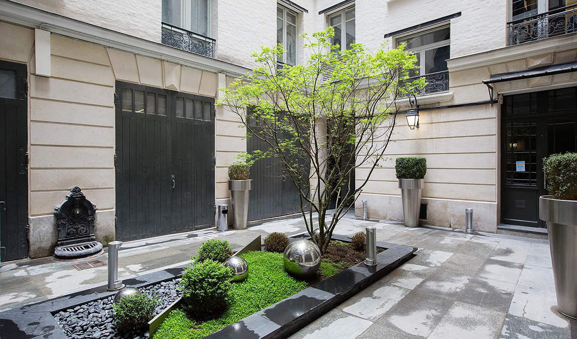 Apartment for sale in Golden Triangle, the 8th arrondissement of Paris - 2