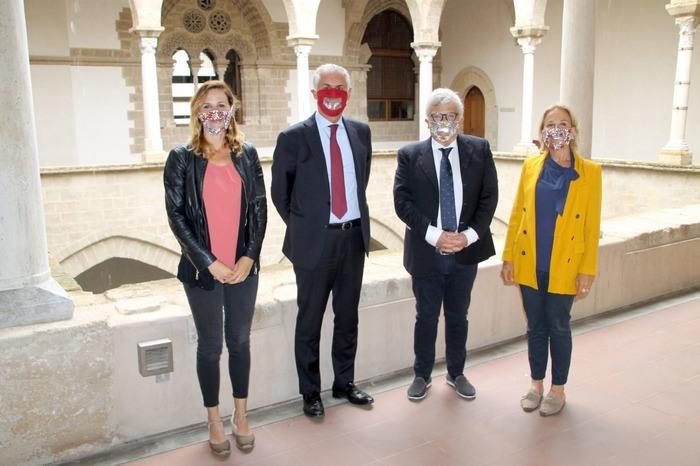 UniPa riceve donazione di mascherine con visiera trasparente