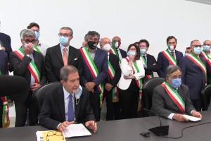 in foto i sindaci siciliani durante l'emergenza covid-19